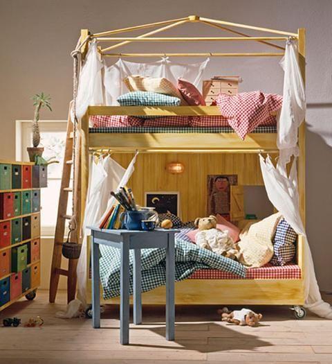 Ein Hochbett spart Platz und macht Spaß (mit Bildern