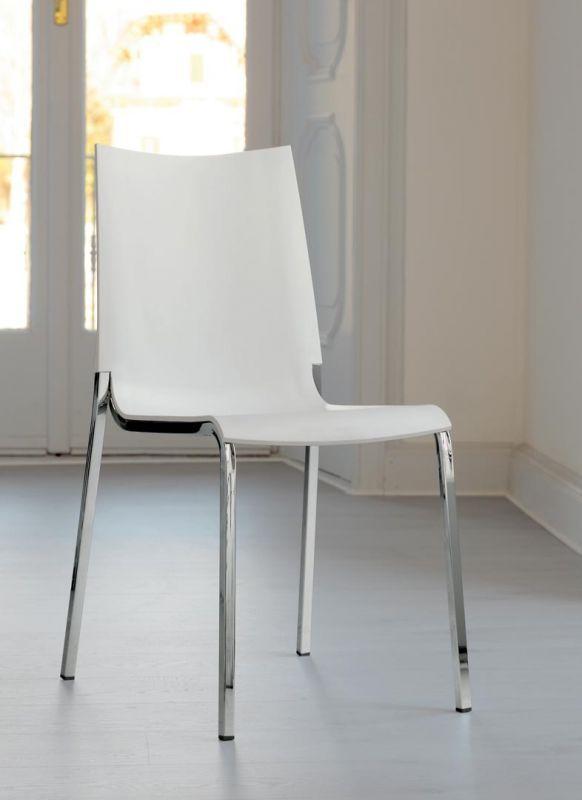 Sedia con struttura in acciaio laccato o cromato monoscocca