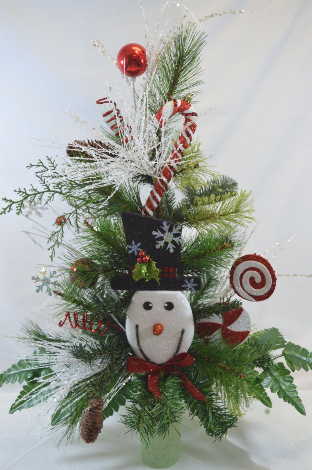 Noc1110 holiday christmas tree cemetery cone vase arrangement c1110 holiday christmas tree cemetery cone vase arrangementtombstone saddle cemetery reviewsmspy
