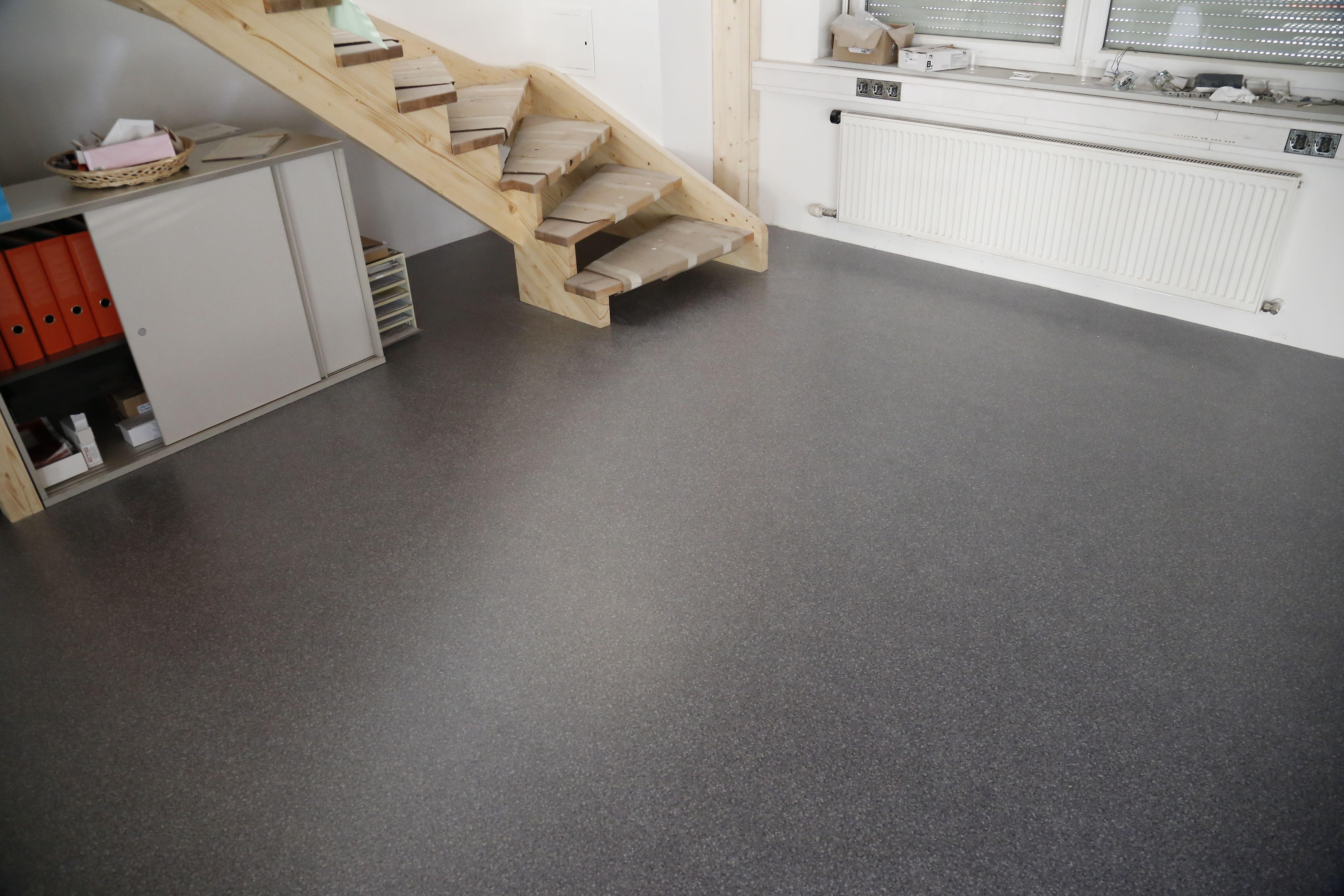 Auch Sie Konnen Sich Eine Solche Industrieboden Oberflache Selber Schaffen Der Pvc Bodenbelag Von Floorwork Macht Das Industrieboden Pvc Bodenbelag Bodenbelag