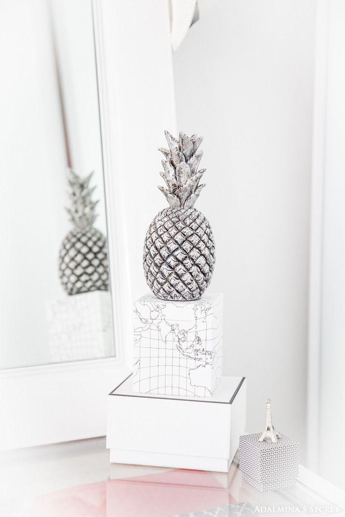 Home Inspiration I Black and White I Traveller I Silver Pineapple