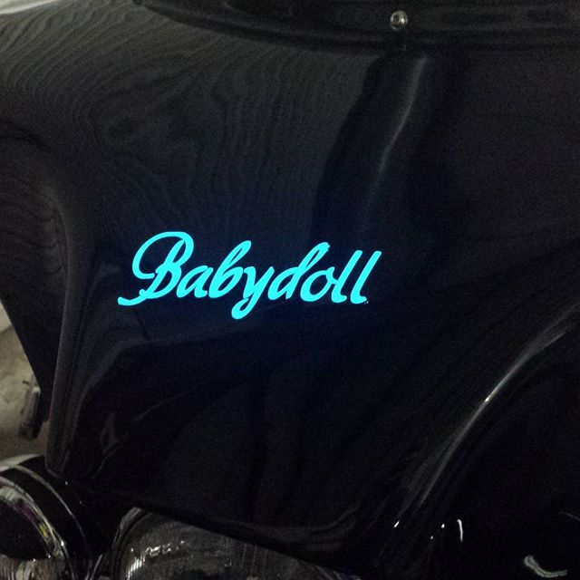 Lumilor On The Harley Fairing Paint That Lights Up With A Real Electric Charge Love It Custompaint