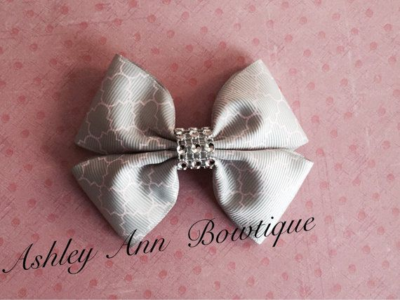 Grey and Light Pink Quatrefoil Hair Bow with by AshleyAnnBowtique