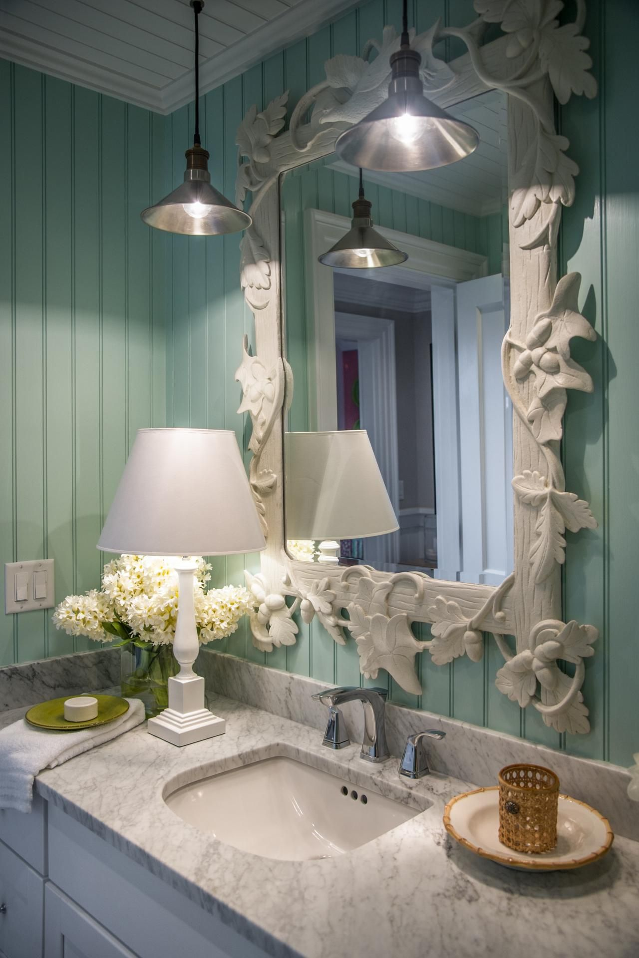 The Nature Inspired Style Of This Decorative Mirror Is Not Only Visually Interesting But Provides A Nice Contrast With Straight Lines Pastel