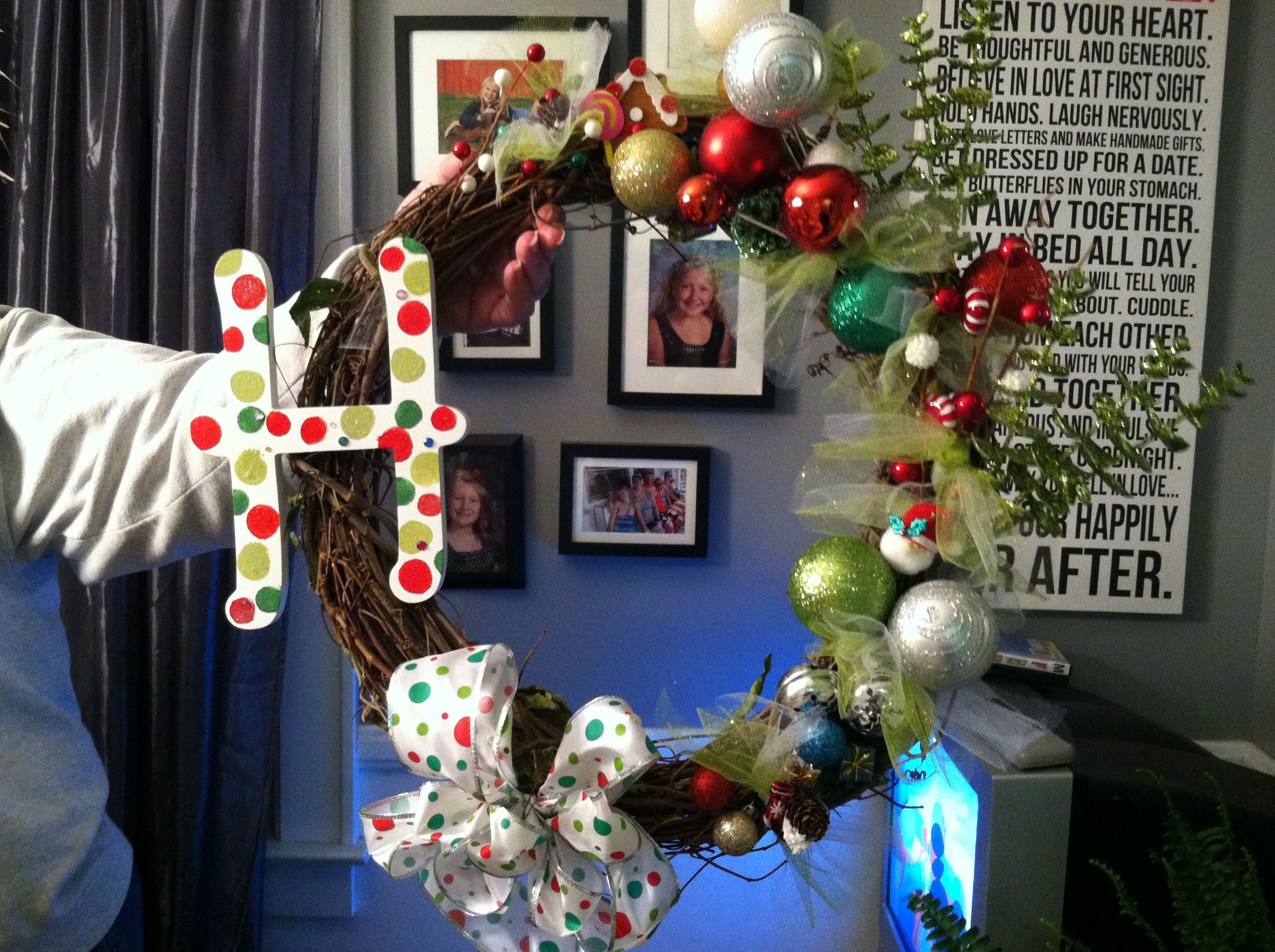 cute christmas wreath, but with a B