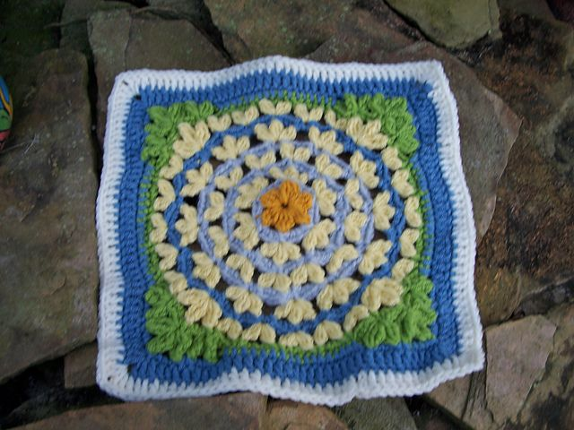 Ravelry: thecarrlette's Floral Fantasy Afghan Square