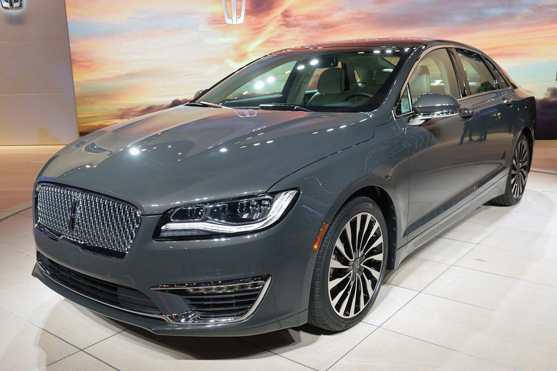 Spy Shots Lincoln Mkz Sedan Price And Review in 4  Lincoln mkz