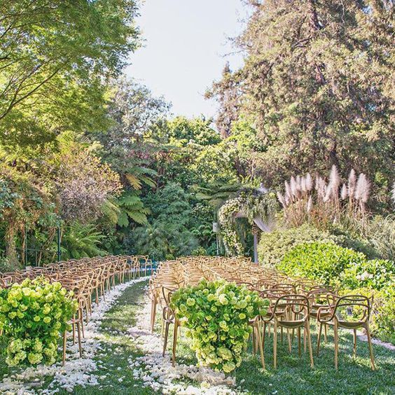 How to Have a Beautiful Garden Wedding in Los Angeles | Brides.com