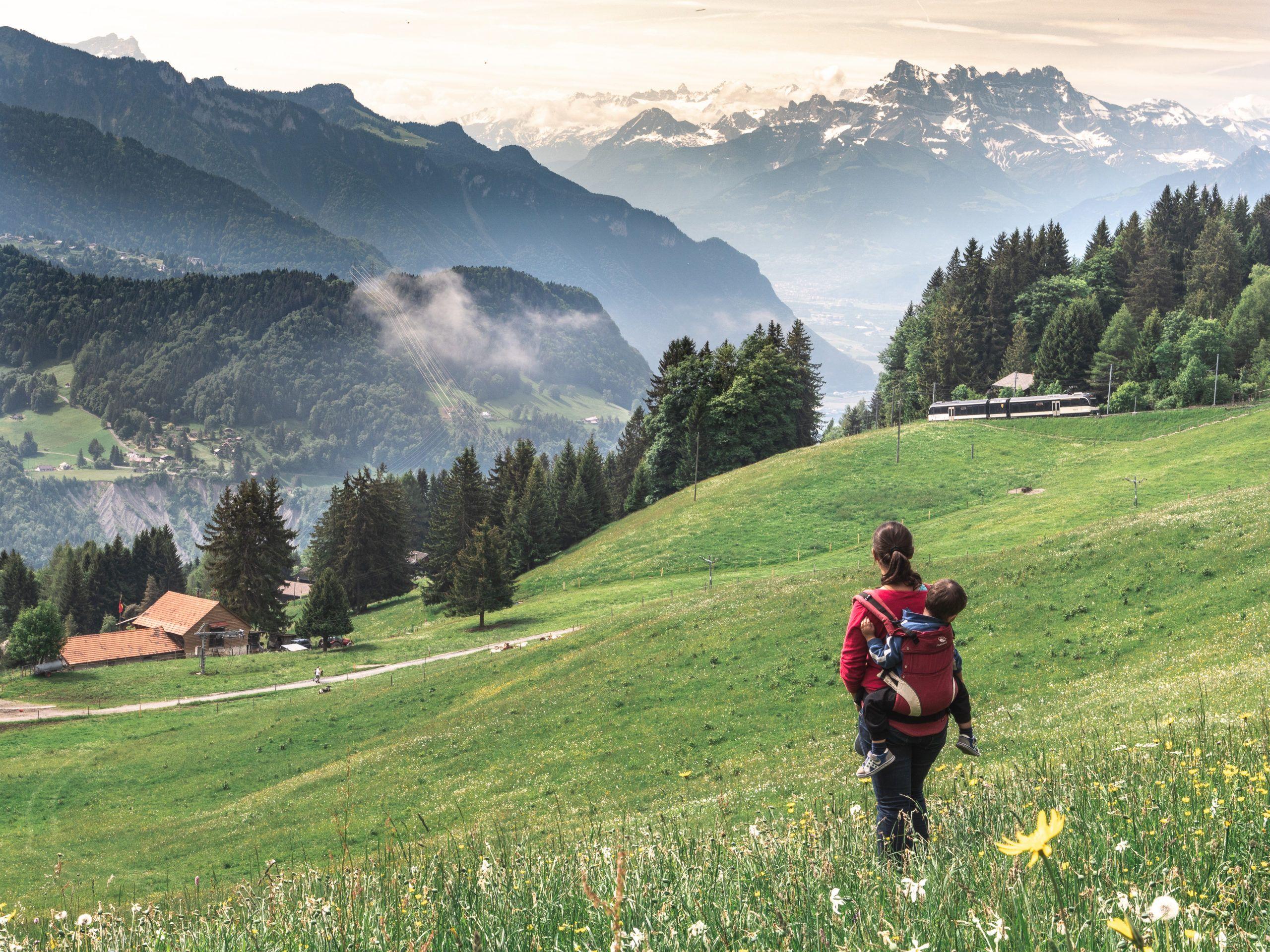 Notre Itineraire Suisse De La Riviera Vaudoise Lac Leman A Gstaad Lac Leman Lac Voyage Suisse