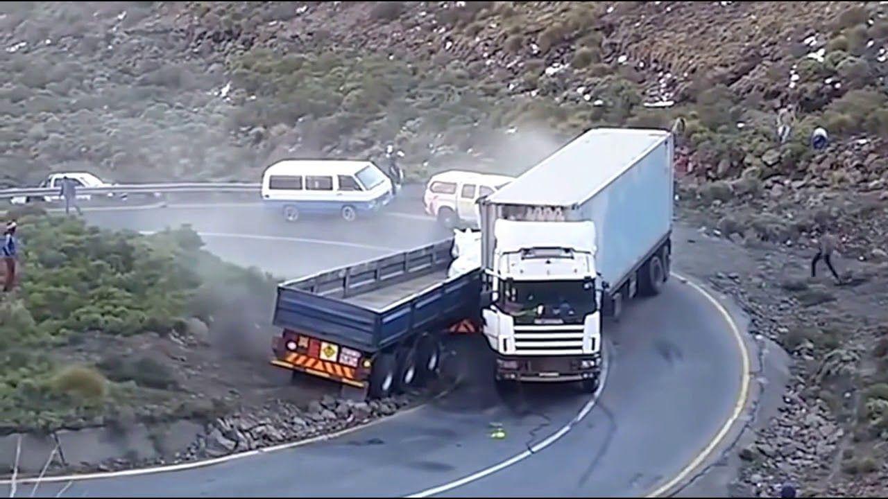https://www.youtube.com/watch?v=a4QPuCmNAxo #autounfälle ...