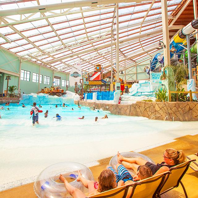 Experience Waterpark Fun In The Poconos At Camelback Lodge S Aquatopia Indoor Waterpark Poconomtns Indoor Waterpark Water Park Poconos Resort