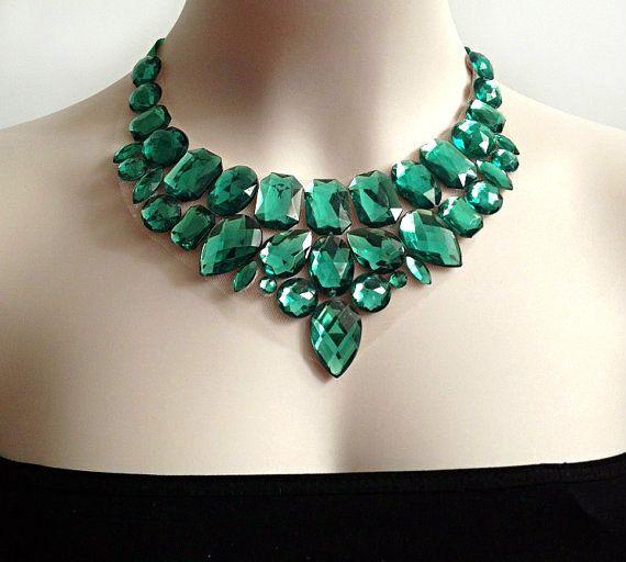 Bavaglino verde collana verde strass istruzione di BienBijou, $29.00