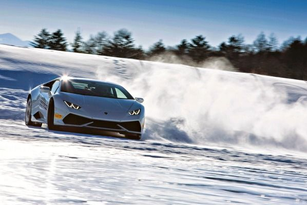 Lamborghini Huracan Drifting In Snow Google Search Ethan S