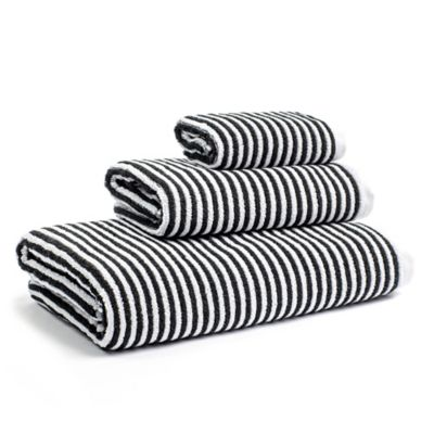 Calvin Klein Donald Bath Towel In White Black Black And White