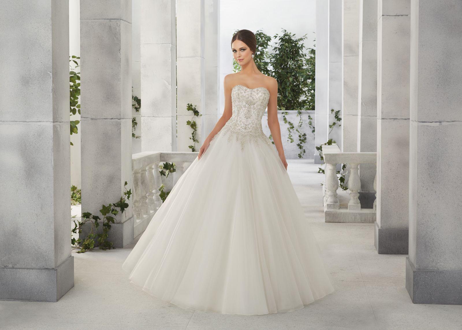 Famke Suknia ślubna Princess Od Madelina Gardner Z Błyszczącym
