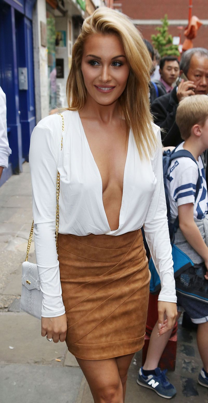 Chloe Goodman | Fashion | Chloe goodman, Dress skirt, Chloe