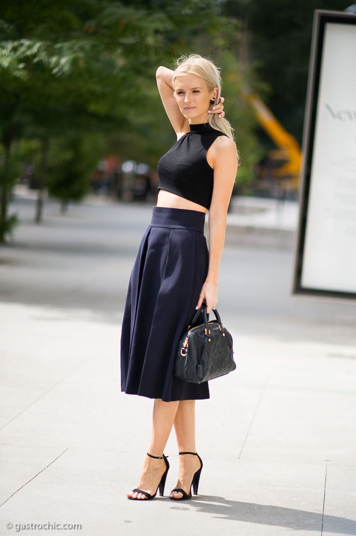 Kate Davidson Hudson at BCBG #streetstyle #fashion #nyfw on http://www.gastrochic.com
