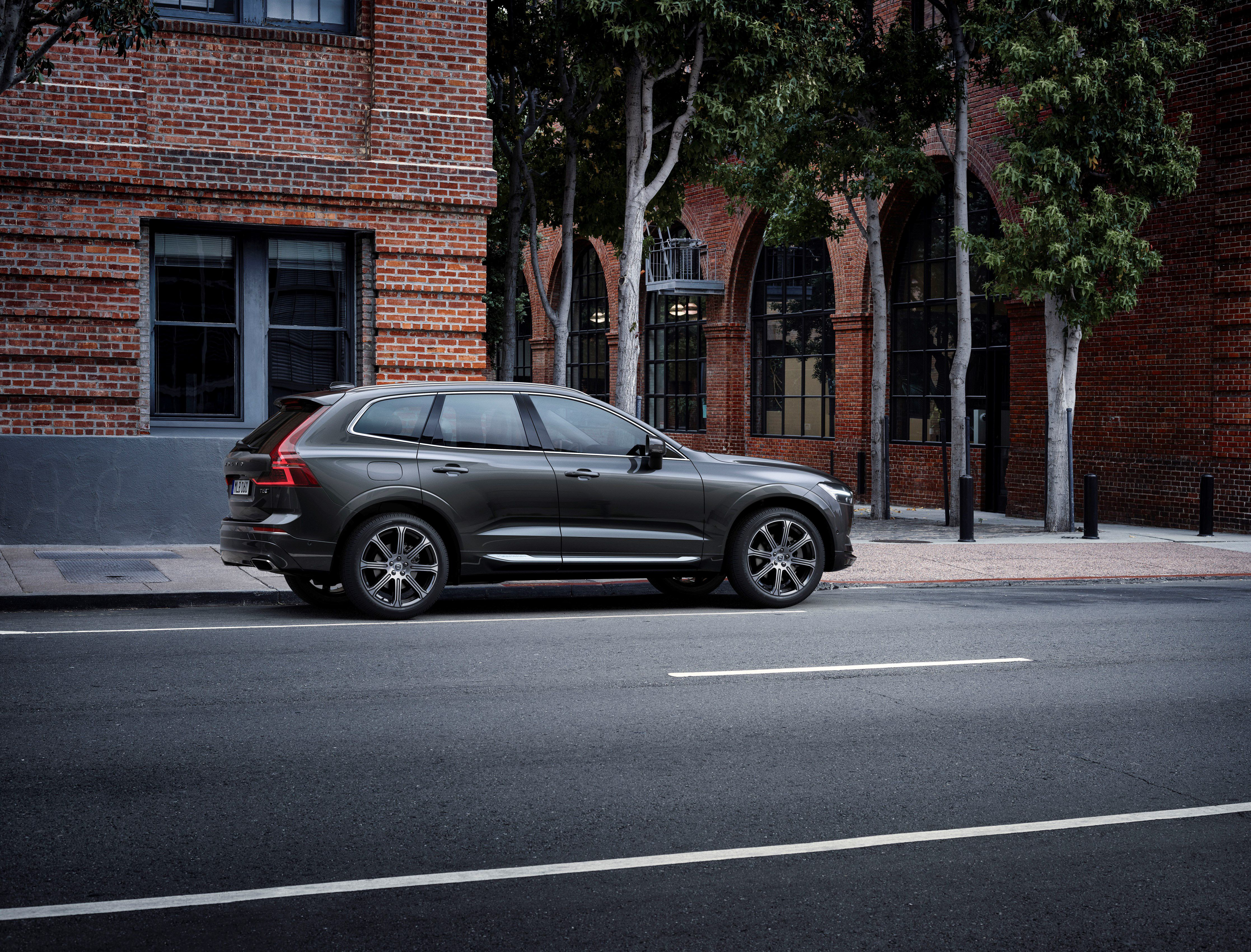 Volvo XC60 The new Volvo XC60, one of the safest cars