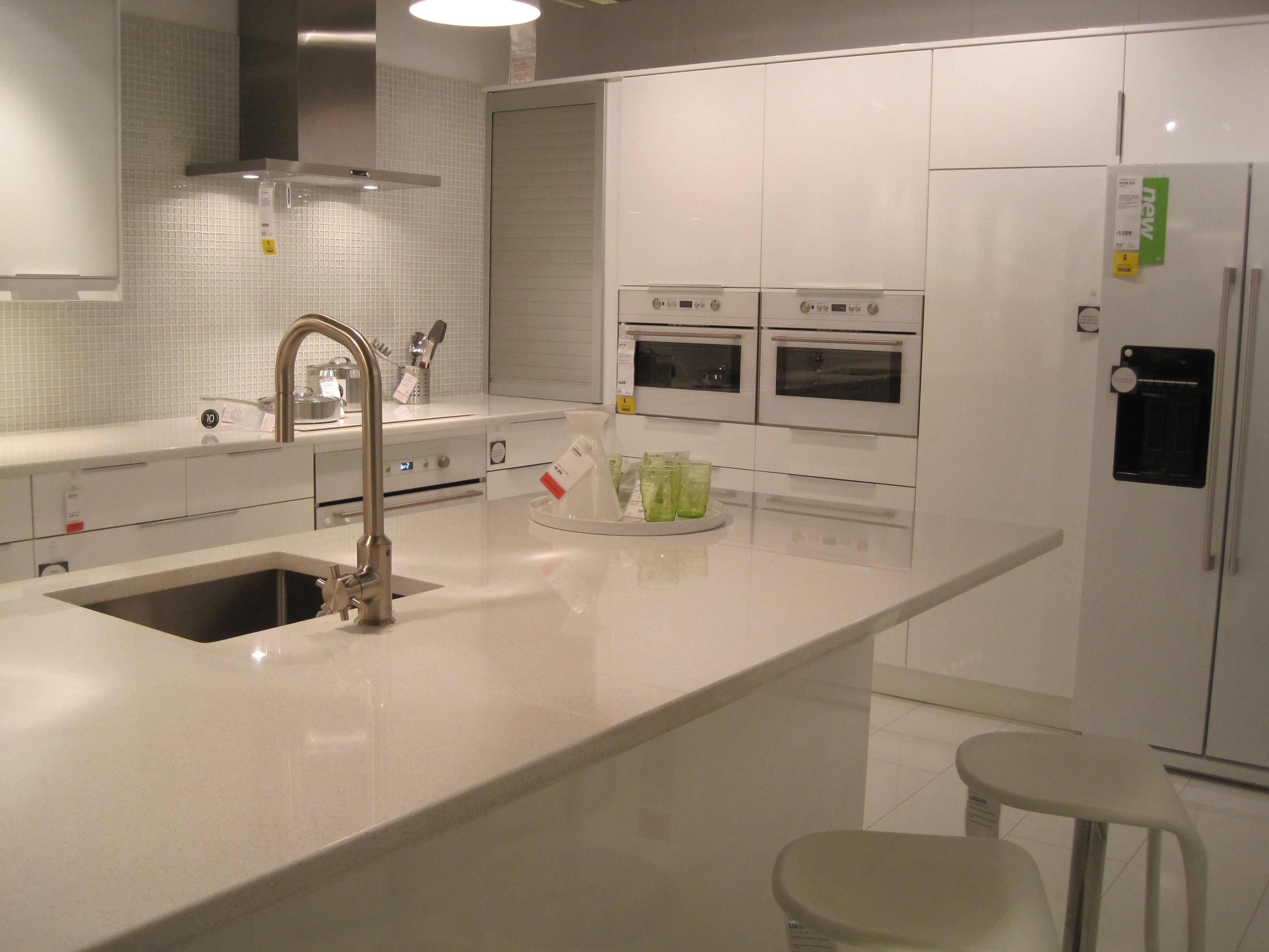 Like This High Gloss White Abstrakt Kitchen At Ikea That