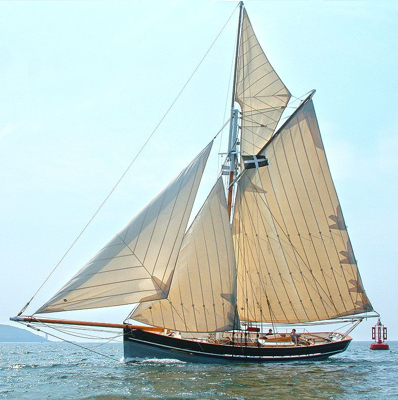 S/V Agnes sailing in a light breeze. Luke Powell's pilot boats