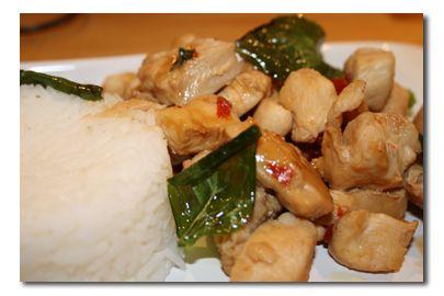 Kylling med thaibasilikum og chili