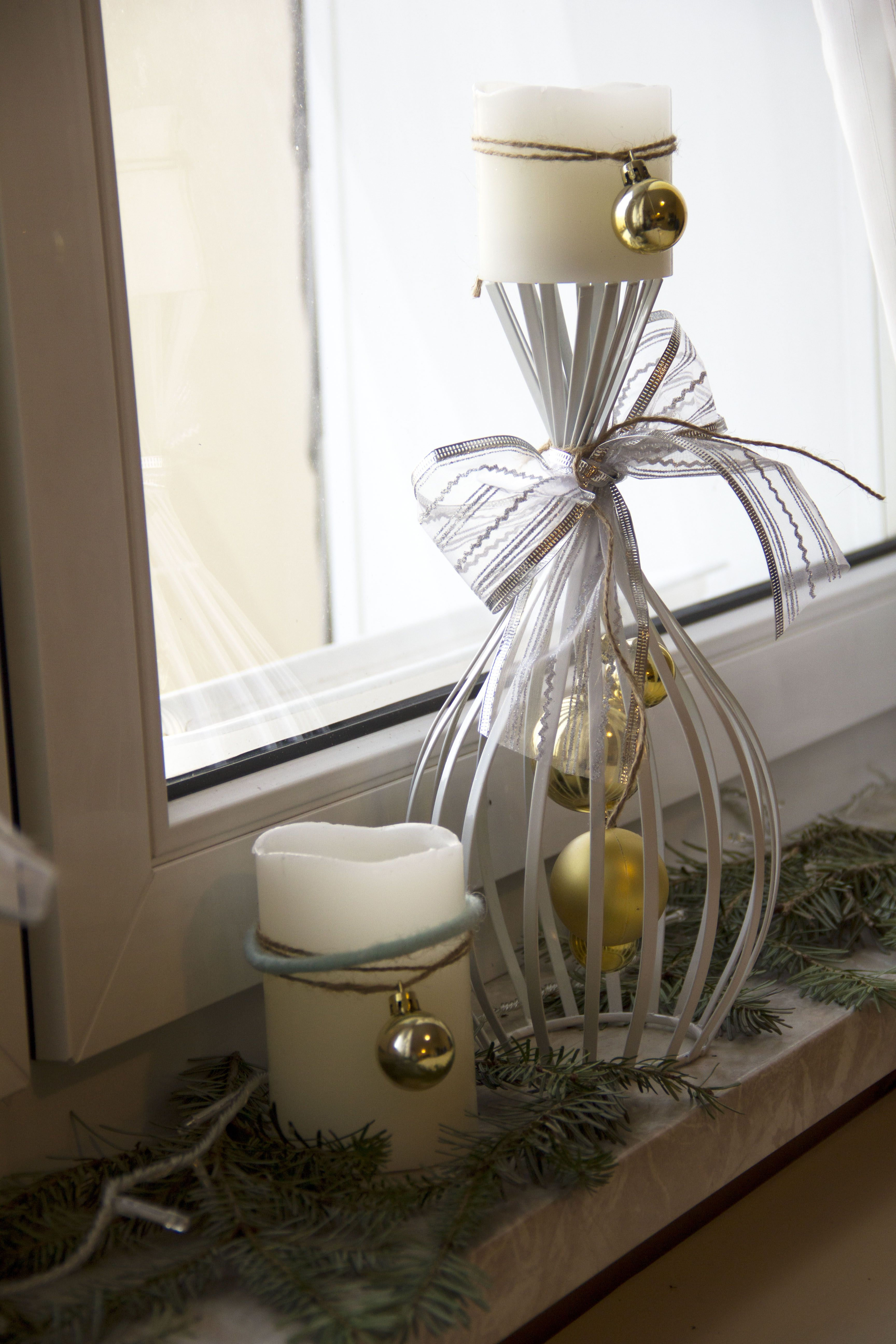 DIY Christmas Window Decor Christmas window decorations
