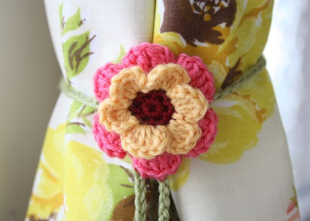 The simple flower ties for my thrifty curtains.