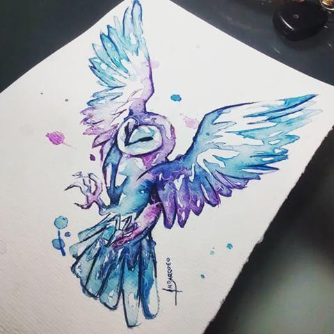 In der Mitte des Oberarms hebt sich ein Flügel von meiner Schulter ab und ... - #AB #der #des #ein # Flügel