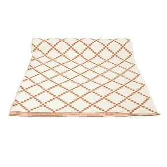 Vernieuw uw huis met het grote Lucca vloerkleed van het Zweedse textiel merk Boel