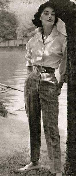 Photo of 1955 mote