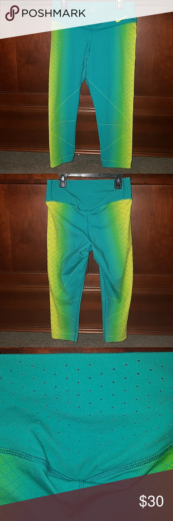 Nike running leggings Nike women's leggings. They are size medium but fit small. I will warn you they are a bit sheer if they stretch too tight! Nike Pants Leggings