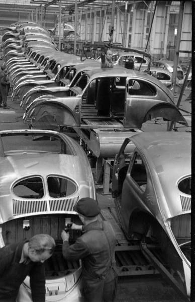 VW Production! | The one and only Beetle | Volkswagen, Vw ...