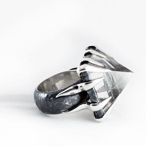Mariella Pilato Invulnerable Ring – FIVE AND DIAMOND