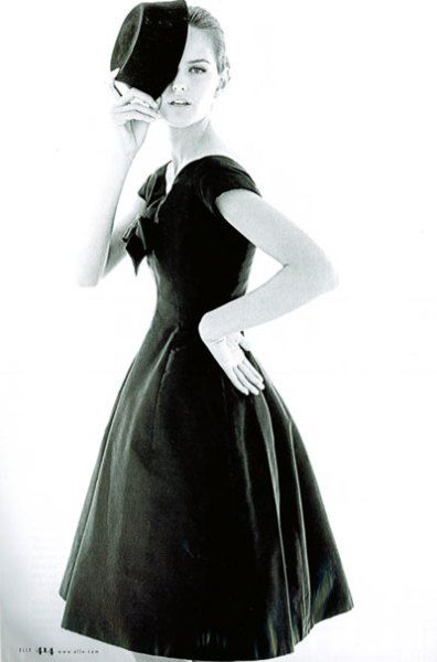 Photographed by Henry Clarke, wearing Christian Dior 1950 1950 Dior Ad campaign Photographer Willy Maywald. Model, Christian Dior. Paris, 1947. A Dior suit, pencil skirt, in Vogue 1950's 19…