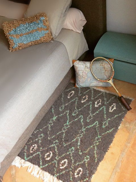 tapis artisanal berb re gris et turquoise berber carpet handmade gray and turquoise tapis. Black Bedroom Furniture Sets. Home Design Ideas