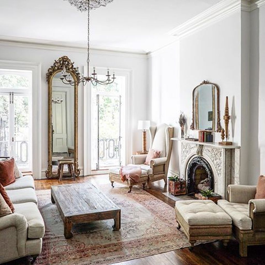16 Stunning French Style Living Room Ideas: 35 Beautiful Old Furniture In The Living Room
