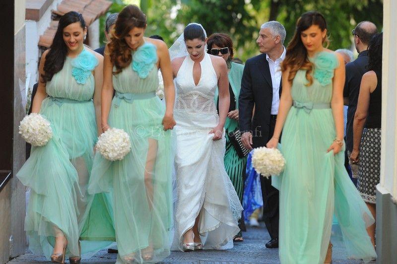 16d31bd163ad Fotografi matrimonio Campania. Abiti damigelle adulte in colore Hemlock by  Pantone. Colori moda wedding 2014