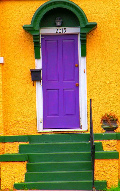 We KNOW that purple, green, and gold are the very definition of high class decorating!!