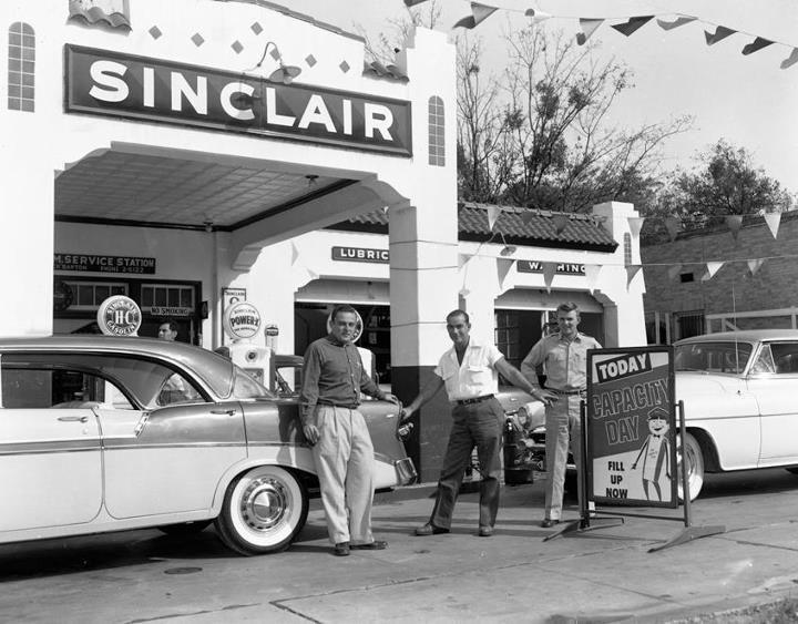 Sinclair Gas Station In Austin Tx Circa 1956 Old Gas