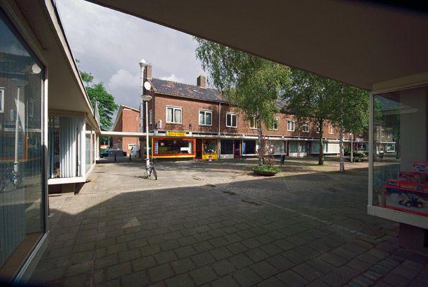 Winkelcentrum Zijpe ( J.A. Lucas en H.E. Niemeijer) - bewri