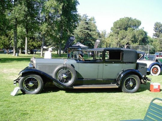Murphy built this fine Town Car body on a 1925 Mercedes Benz 630 K chassis . Quite unusual to ...