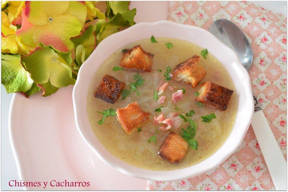 Chismes y Cacharros: Sopa de cebolla con jamón serrano.
