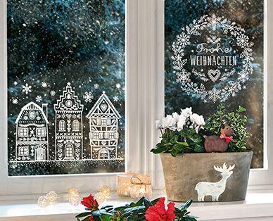 Fenster Mit Kreidemarker Dekoriert Weihnachtsschmuck Rustikal Dekorieren Fenster Dekor