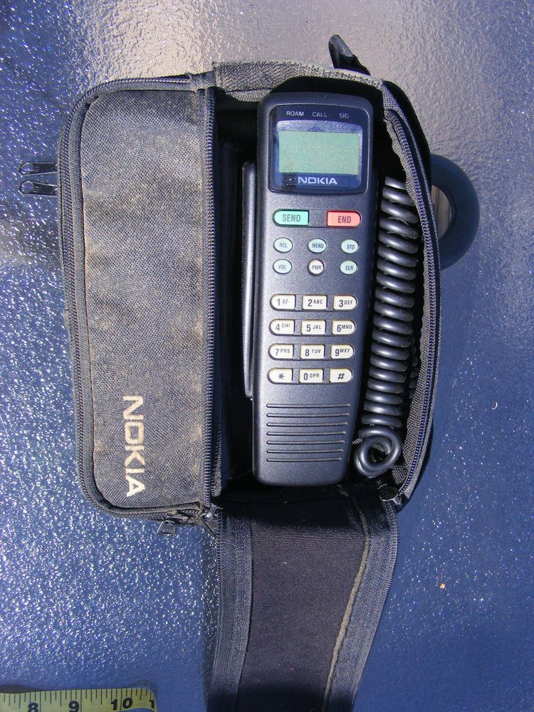 Vintage Nokia M12TXE Cellular Car Phone - Powers On - Charger Battery Bag