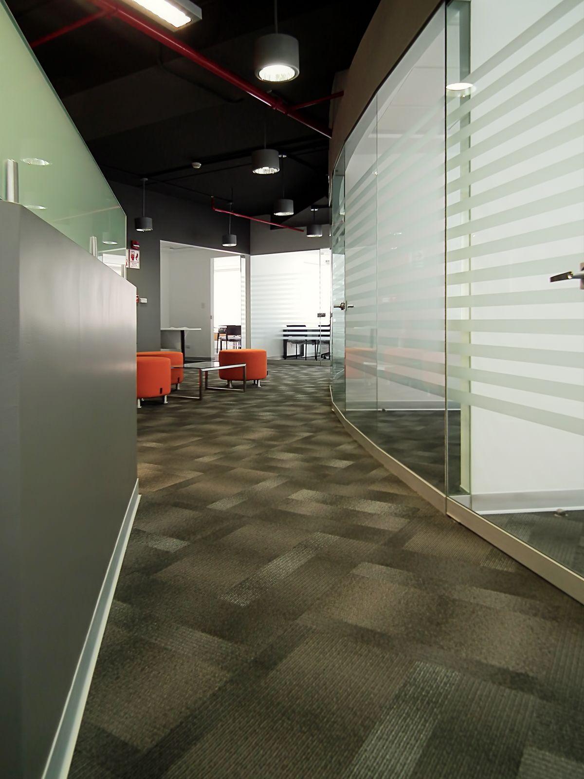 Dise o de oficinas coga por s xl arquitectos lima per for Oficinas enterprise