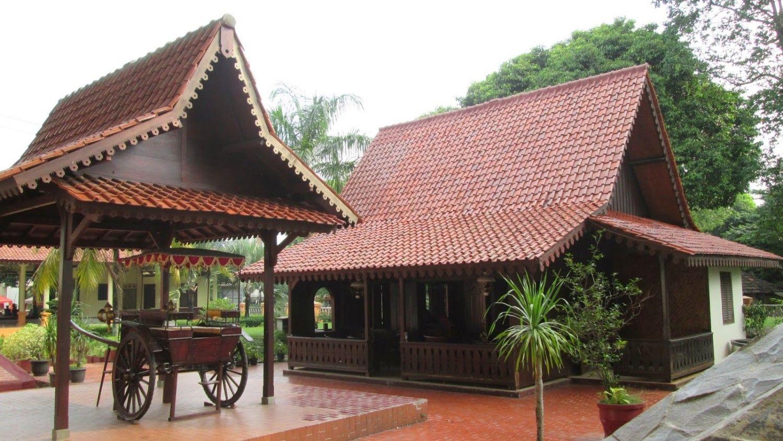 Rumah Adat Jawa Barat Adalah