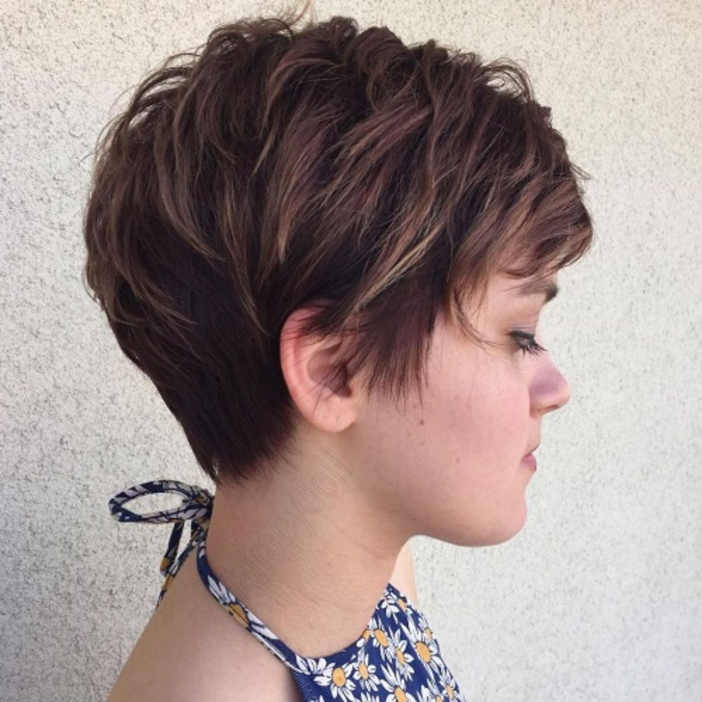 Brown Feathered Pixie In 2020 Short Choppy Haircuts Choppy Haircuts Short Hair With Layers
