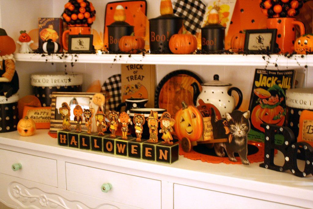 Sunny Simple Life A Visit to Shelly\u0027s cute cottage Halloween decor
