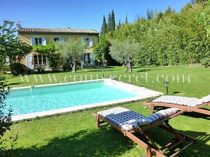 Location de vacances avec piscine dans les Alpilles à Eyragues - location vacances provence avec piscine