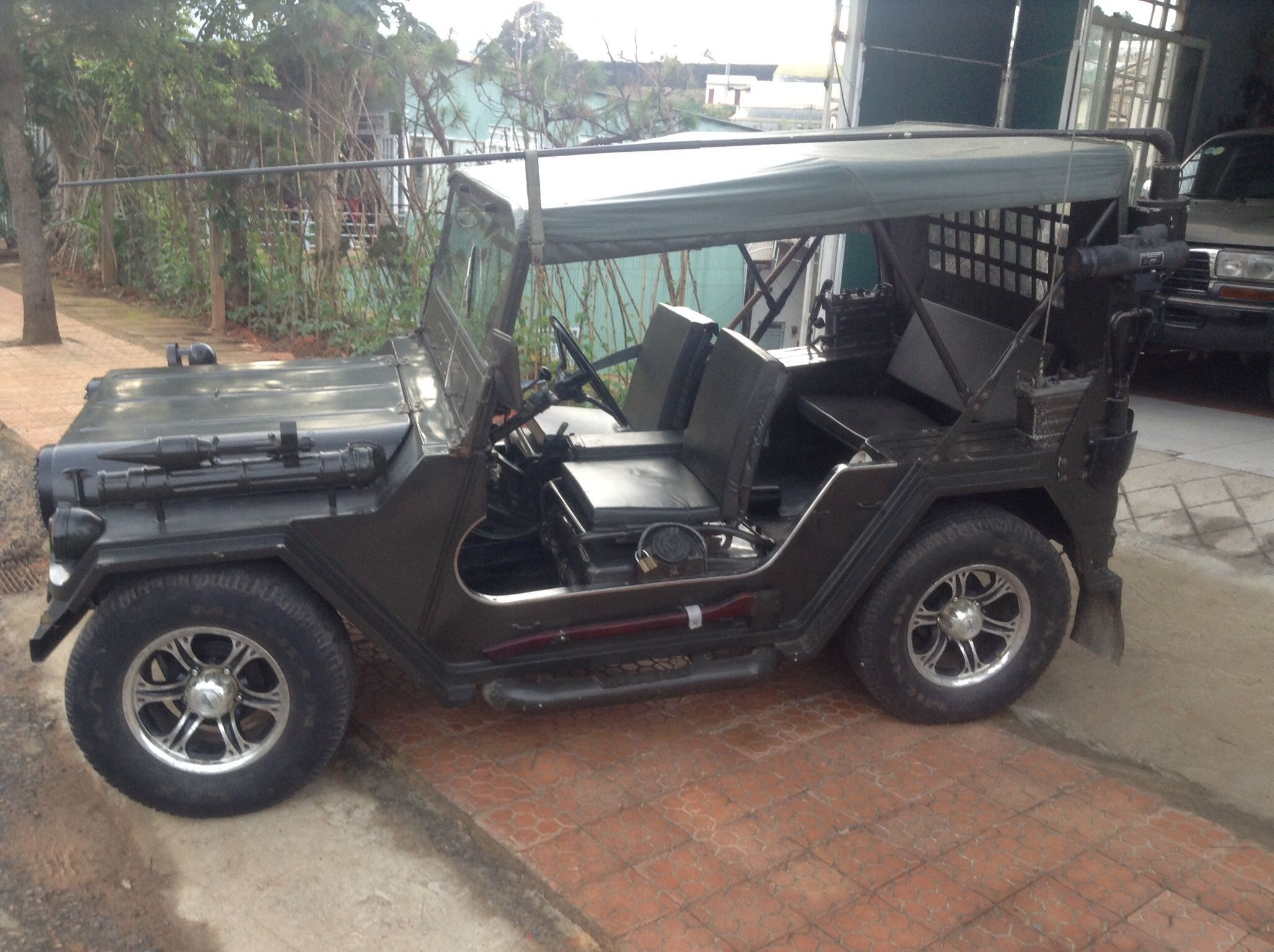Da Lat... Hoping to buy M151A Willys jeep, Jeep